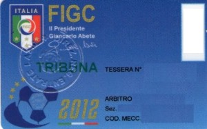 Si informa che il Presidente della FIGC ha disposto, in accordo con l'Agenzia delle Entrate, che le tessere AIA-FIGC emesse nel 2012 avranno validità prorogata fino al 31 maggio 2013.
